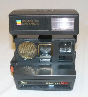 Polaroid Sun Autofocus 660 Instant Film Land Camera