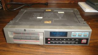 GE GENERAL ELECTRIC SPACE SAVER MAKER CLOCK RADIO CASSETTE PLAYE