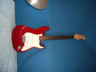 FULLERTON 6 STRING SOLID BODY ELECTRIC GUITAR STRATOCASTER musical X