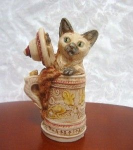 Harmony Kingdom Gertrude in Lidded Stein with Mice and Mouse on Handle