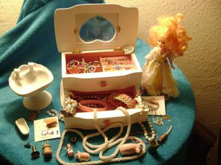 estate/vtg/now girl jewelry box + lot necklace earrings ring bracelet