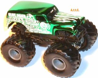 Grave Digger Green Chrome 2003 Extremely RARE Hot Wheels Monster Jam 1