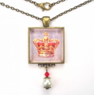 Gold Crown Art Glass Pendant Necklace Vintage Charm Jewelry