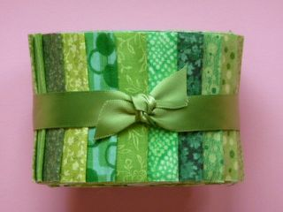 Green Jelly Roll Fabric Quilting Strips Cotton Die Cut 20 Pcs 2 5 x 42