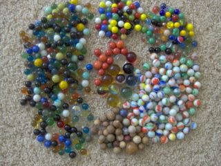 530 VINTAGE ANTIQUE MARBLES VARIOUS TYPES CLAY GLASS HAND MACHINE MADE