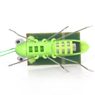 Solar Energy Powered Toy Grasshopper Green Science New Fun Gadget Gift
