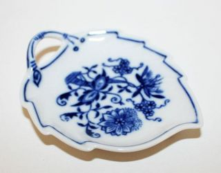 Czech Zwiebelmuster Blue Onion Fine China Porcelain Mini Leaf Shaped