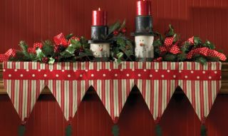 Holly Dots Stripe Point Christmas Holiday Mantle Scarf Window Valance