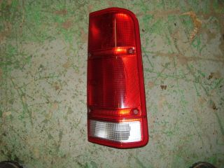 Land Rover Discovery 2 Right Rear Tail Light 99 00 01 02 Red Passenger