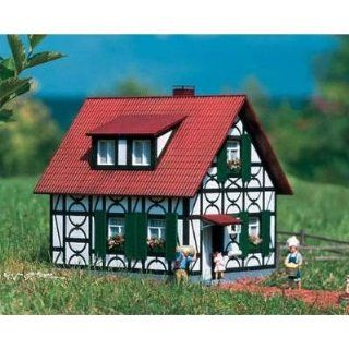 FRANKS HALF TIMBERED HOUSE   PIKO G SCALE MODEL TRAIN