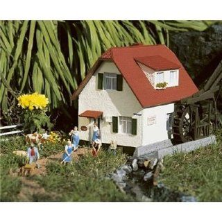 BLUE CREEK VALLEY WATER MILL   PIKO G SCALE MODEL TRAIN