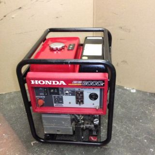 Honda Eb3000c 3000 Watt Cyclo Converter Portable Generator Quiet Light
