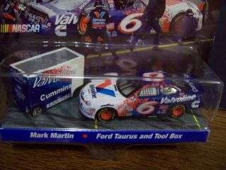 64 Car Pit Wagon Valvoline Hot Wheels NASCAR HW Hotwheels 1998