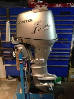 1997 Honda 25 HP 4 Stroke Outboard Motor WATER READY Boat Engine 30 40