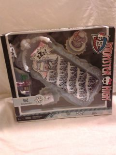 Monster High Doll Abbey Bominable Ice Bed Playset