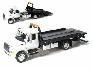 International Durastar 4400 Flatbed Tow Truck JADA 1 24 Scale WHITE