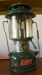 Vintage Coleman Lantern Model 220F Double Mantle Lamp