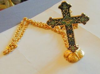Jacqueline Kennedy Pin Pendant Cross w Chain and Stand