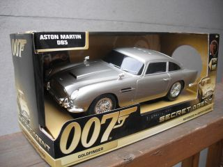 James Bond Aston Martin DB5 50th Anniversary Goldfinger 007 Lights