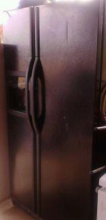 Kenmore Side by Side 25 CU ft Refrigerator