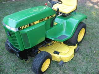 John Deere 322 Lawn and Garden Tractor Mower