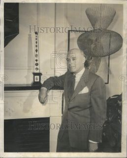 1956 Press Photo John C Murphy Watson Boaler Decorators Corner
