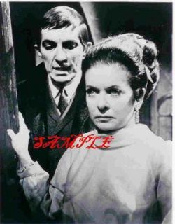 Dark Shadows Jonathan Frid Joan Bennett Photo 3