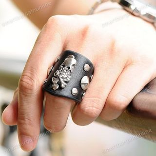 1x Metallic Men's Gothic Bone Skull Rivet Stud Black Cowhide Leather Finger Ring