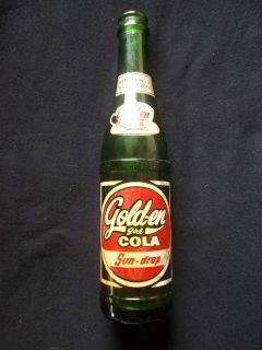 GREEN GOLDEN GIRL COLA PAINED COLOR LABEL SODA BOLE   S. LOUIS