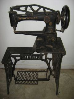 Singer 29 4 Leather Upholstery Sewing Machine w Base