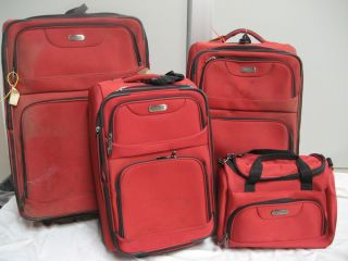 Pre Owned Kenneth Cole Reaction Luggage