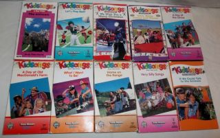 Lot of 10 Kidsongs VHS We Wish You a Merry Christmas, Very Silly Songs