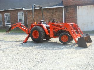KUBOTA B8200 4X4 19HP DIESEL COMPACT TRACTOR LOADER BACKHOE POWER