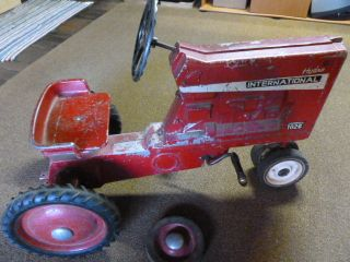 Antique Childs Hydro International Farmall 1026 Farm Pedal Tractor