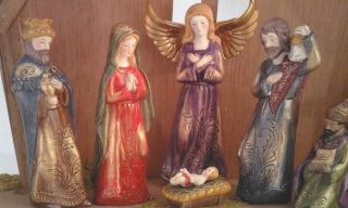 New 9 PC Handpainted Holy Family Nativity Wood Manger Set RV$49 Nice