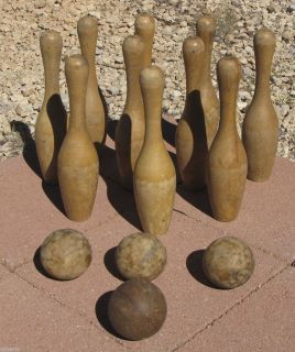 Vintage Solid Wood Bowling Pins & 4 Balls Lawn Childs Toy Game Set