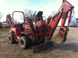 Ditch Witch 5010DD Trencher Backhoe