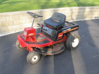Lawn Chief Riding Lawn Mower 8 HP Briggs Stratton 30 Cut Width