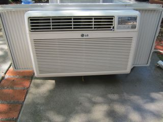 LG White Window / Wall Room Air Conditioner Model LWHD1200R Local pick