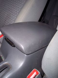 02 07 Jeep Liberty Center Console Lid Arm Rest