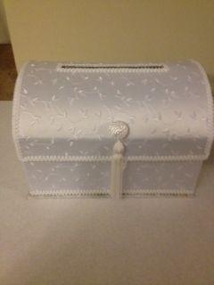 Lillian Rose White Embroidered Satin Keepsake Box Wedding Gift Card