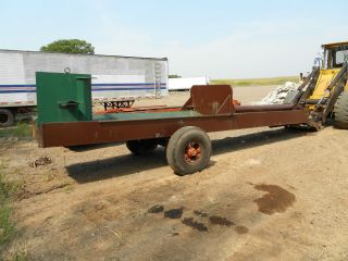 Hydraulic Powered Log Splitter Can Handle Any Large Logs