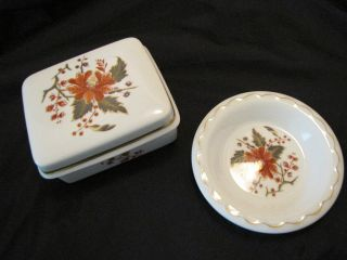 Royal Worcester Lynbrook Porcelain Vanity Dish Powder Soap Box Set