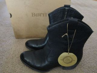 BORN W32412 Karin Black Leather Ankle Boots Heels Shoes US 8 EUR 39