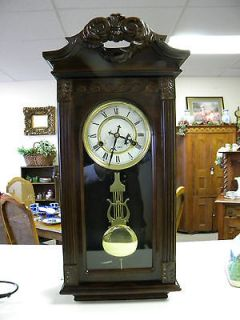 31 DAY CHERRY WALL CLOCK   BEAUTIFUL AND WORKS PERFECTLY