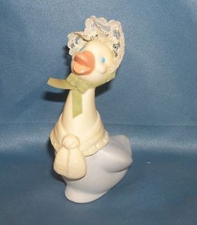Avon Decanter Bottle   Mrs Quackles   Delicate Daisies Cologne   Duck