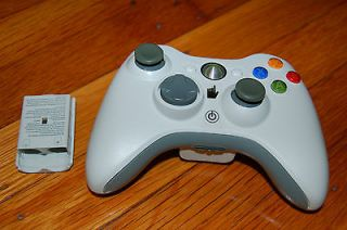 Xbox 360 Wireless White Controller   Official Genuine   with AA Battey