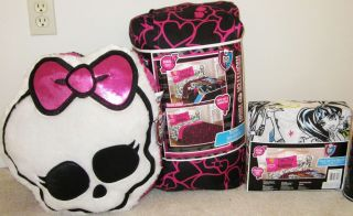 MONSTER HIGH COMFORTER BEDROOM SET~TWIN SHEETS, PLUSH PILLOW & TOTE