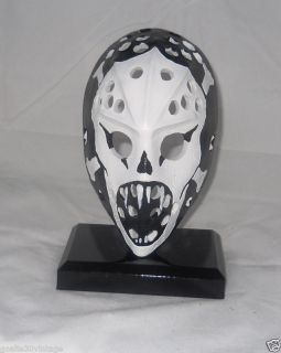 goalie mask in Autographs Original