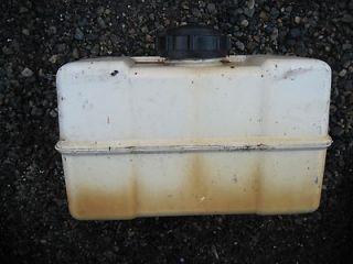 Briggs & Stratton gas fuel tank 1 gallon 8hp 7hp I/C Toro 691993